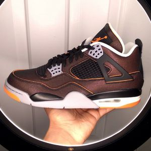 DS Jordan 4 Starfish Size 10 (W) 8.5 (M) for Sale in Crownsville, MD