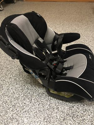 Car seat- SafetyFirst for Sale in The Colony, TX