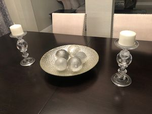 Glass bowl arrangement with 2 candle holders. Candles included for Sale in Miami, FL
