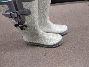 BLAZIN ROX SIZE 11 RAIN WINTER BOOTS for Sale in Denver, CO