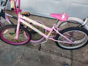 Girls pink bike for Sale in Whitehall, OH