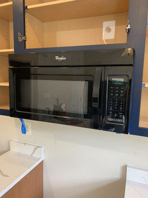 Whirlpool Microwave for Sale in Landover, MD