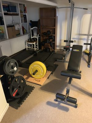 Bent over row machine with 400 pounds in weights for Sale in Yonkers, NY