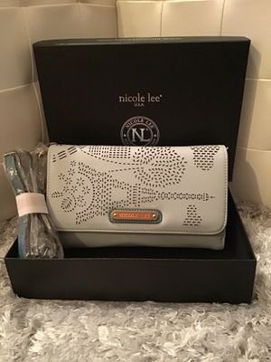 Nicole lee wallet original for Sale in Wahneta, FL