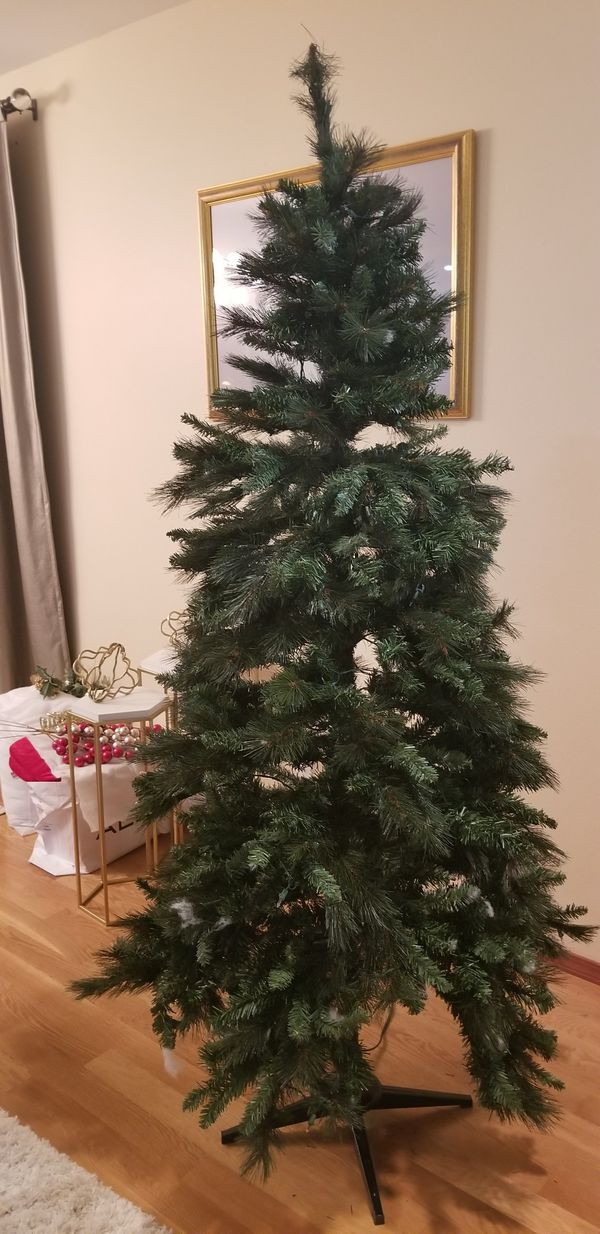7 Ft. Christmas Tree - Pre Lit 3 section (Lights don't work) for Sale in Mukilteo, WA - OfferUp