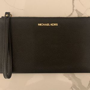 Michael Kors Black Leather Wristlet for Sale in Cheswick, PA