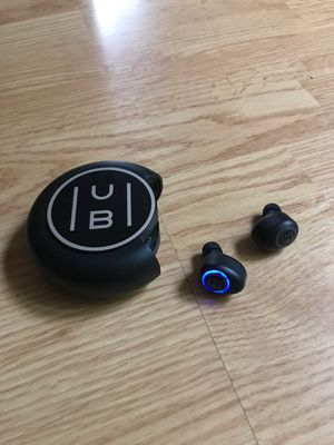 Hub Wireless Earbuds and Powerbank for Sale in Portland, OR