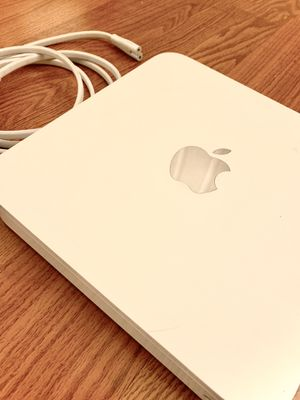 Apple Time Capsule (1Tb) for Sale in Los Angeles, CA