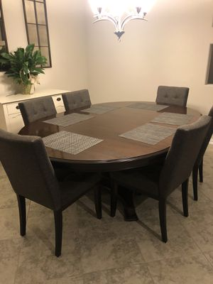 Dining Table and Chairs for Sale in Creedmoor, TX