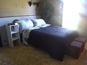 Full bed with metal frame for Sale in Clearwater, KS