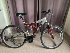 """17"""" frame, 25"""" tire, mountain bike red/silver for Sale in Upper Arlington, OH"""