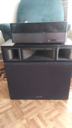 Harmon receiver and kenwood 12in subs for Sale in Baltimore, MD