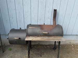 Brinkmann Smoke and pit. BBQ grill for Sale in Tacoma, WA