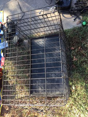 Dog Jaula mediana de perro dog con dos puertas for Sale in Dallas, TX