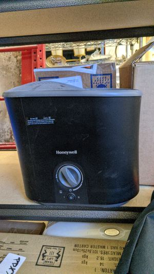 Humidifier works great for Sale in Tacoma, WA