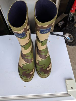 Rain boots size 6 for Sale in Bealeton, VA