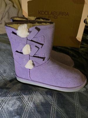 $45 NEW Girl's Koolaburra by UGG Boots size 4Y for Sale in Sacramento, CA