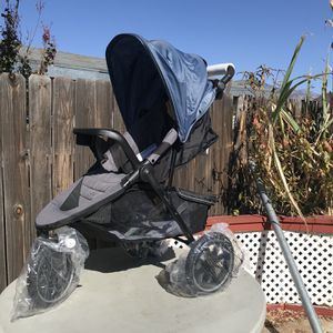 Evenflo Folio3 Stroll And Jog Travel System for Sale in Highland, CA