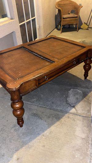 Coffee table for Sale in Menifee, CA