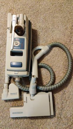 Electrolux vacuum for Sale in Mount Oliver,  PA