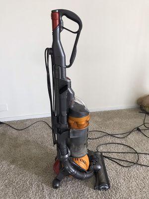 Dyson ball DC25 vacuum for Sale in Wheaton, IL