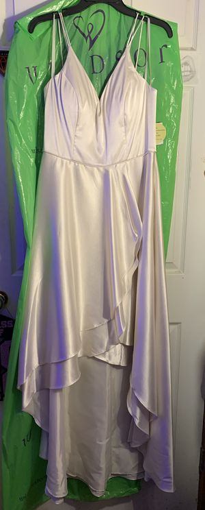 Satin Double Spaghetti Strapped Dress (w/ pockets) for Sale in Cicero, IN