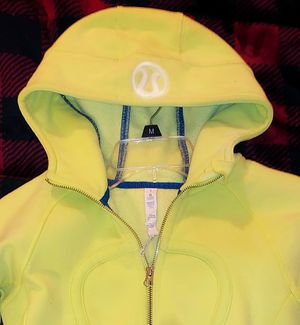 Lululemon scuba hoodie zip up size 4 (small) chartreuse/green/yellow for Sale in Redmond, WA