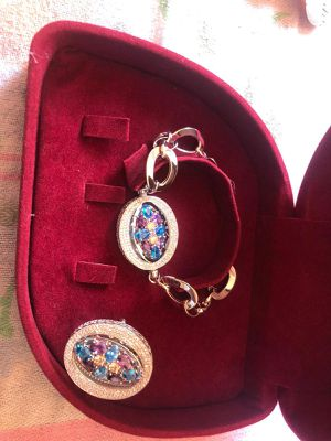 White gold 18 k jewelry set necklace and ring for Sale in Fullerton, CA
