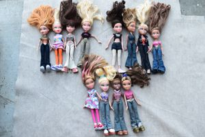 bratz doll lot collector item IN HOLLISTER for Sale in Hollister, CA