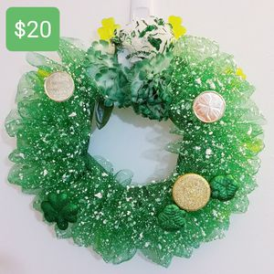 ST. PATRICK'S DAY LIGHT UP WREATH for Sale in Thousand Oaks, CA