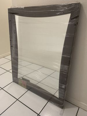 Wall mirror for Sale in Moreno Valley, CA