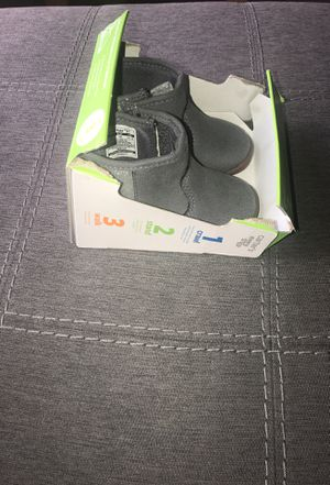 Gray/ sparkly size 3 Carters girl boots (stage 2, 9-12 months) for Sale in Wilmington, NC