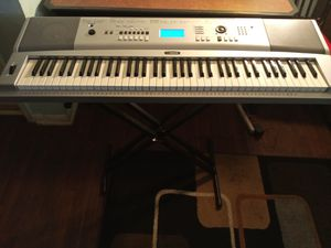 76 keys Yamaha keyboard with stand for Sale in Tampa, FL