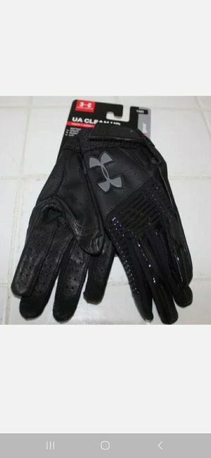 Underarmour gloves for Sale in Spring Valley, CA