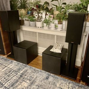 Klipsch RP600M with Stand for Sale in Queens, NY