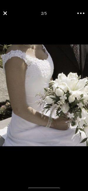 Wedding dress size 6 for Sale in Bonney Lake, WA