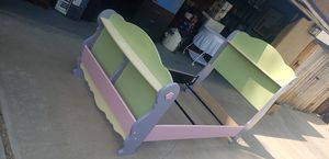 Girls Twin Sleigh bed from Ashley Furniture for Sale in Bakersfield, CA