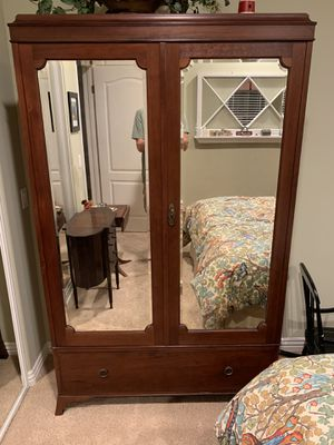 Antique English Armoire ex condition for Sale in Torrance, CA