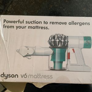 Dyson Matress Vacuum Powerful Suction To Remove Allergens for Sale in Pompano Beach, FL