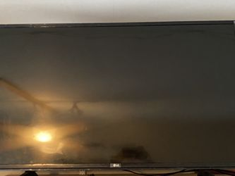 38 Inch LG TV for Sale in Tulare,  CA