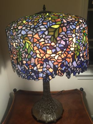 Tiffany style lamp Gorgepus! for Sale in Redondo Beach, CA