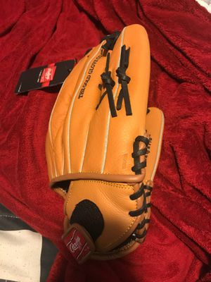 Softball catching glove for Sale in Aspen Hill, MD
