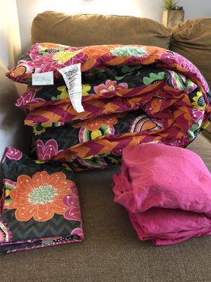 Vera Bradley XL Twin Comforter for Sale in Saline, MI