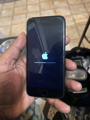 iPhone 7 sprint or boost mobile 32gb for Sale in Baltimore, MD