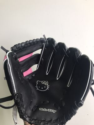 "Girls Hello Kitty t-ball glove mitt 9.5"" for Sale in Traverse City, MI"