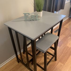 High Table With Stools for Sale in Lockport, IL