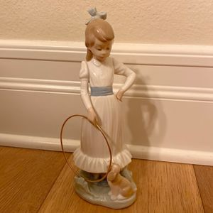 Lladro Figurine for Sale in Brea, CA
