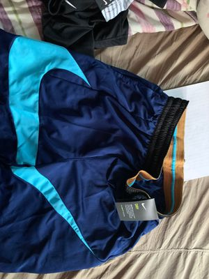 Nike dry shorts (L) for Sale in Mansfield, MA
