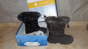 Size 13 kids snow boots for Sale in Fresno, CA