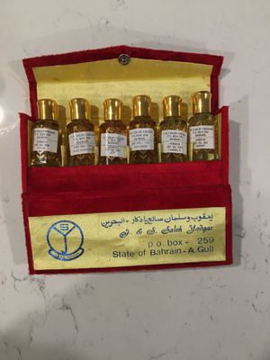 6 small bottles with perfume for Sale in San Marcos, CA